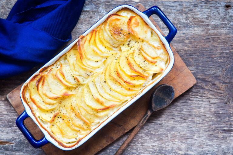 Gratén de espinacas con patatas y chorizo